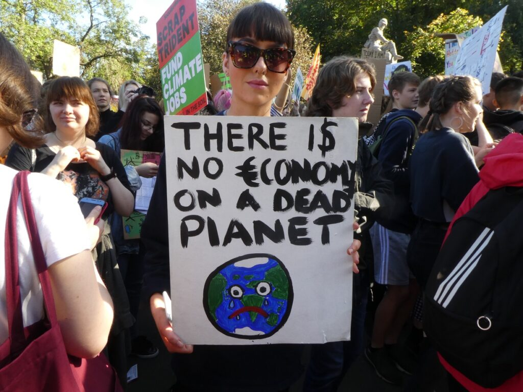 climate-protester-laura-thomson-age-17-resized